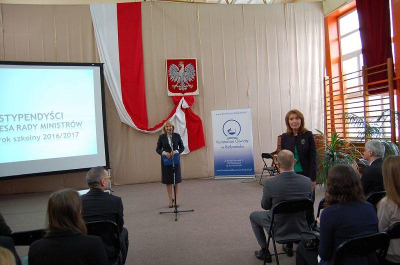 Podlaski Kurator Oświaty otwiera uroczystość wręczenia dyplomów stypendystom PRM 14.12.2016